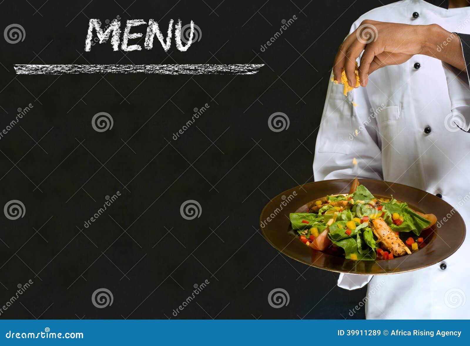 Cozinhando o homem da lista com alimento