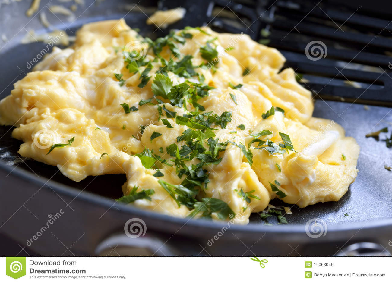 Cozinhando ovos Scrambled