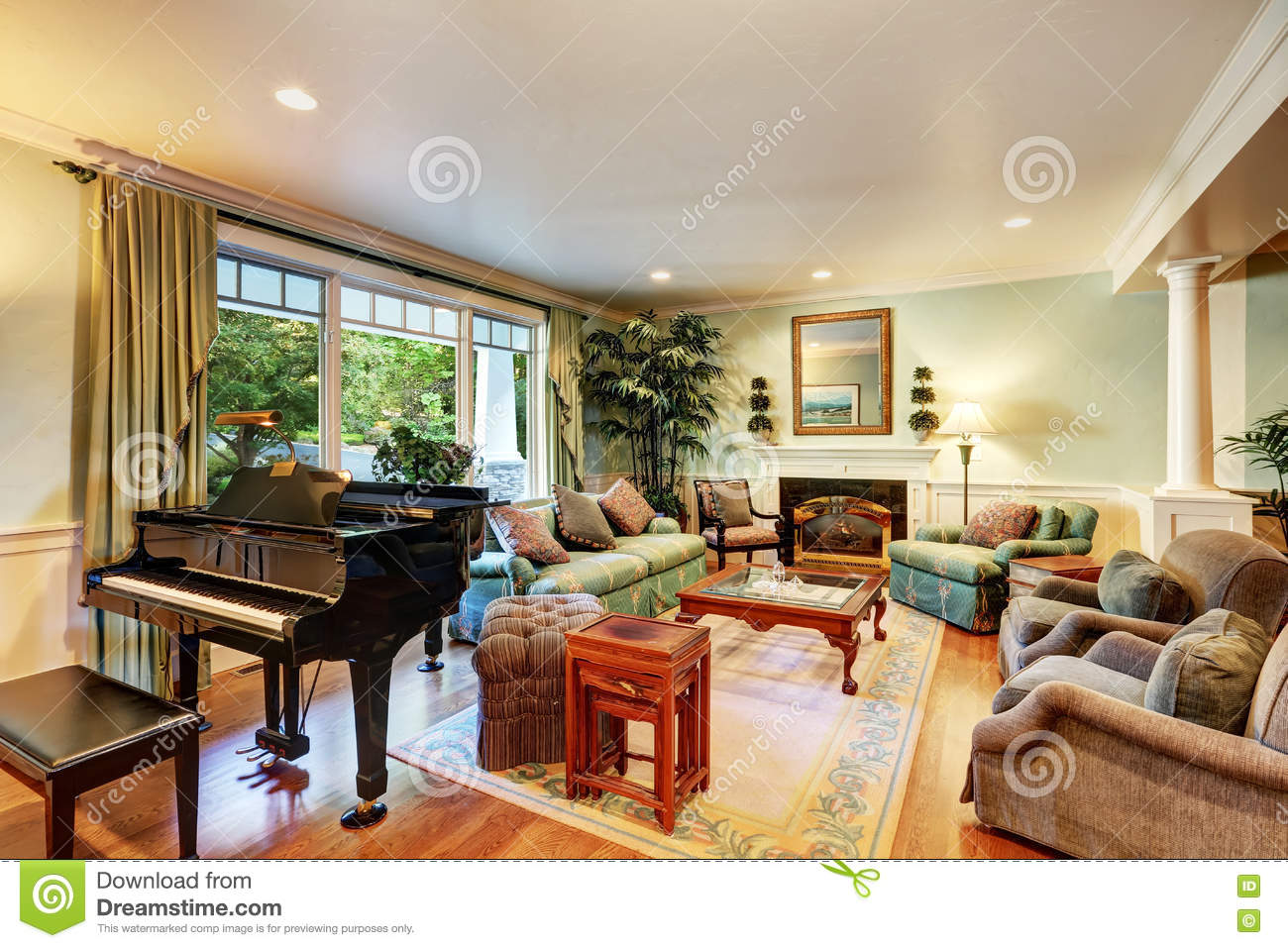 royalty free stock photo - Interior Designer Usa