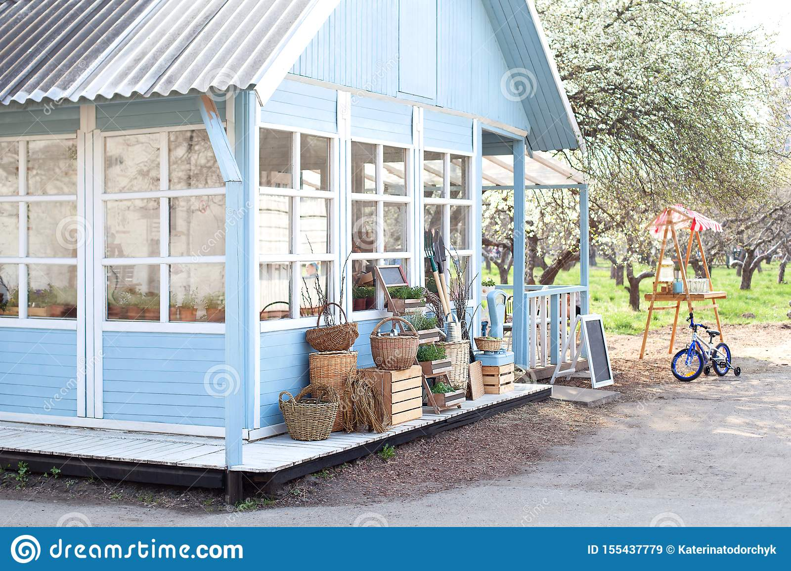 33 723 Rustic Country Garden Photos Free Royalty Free Stock Photos From Dreamstime