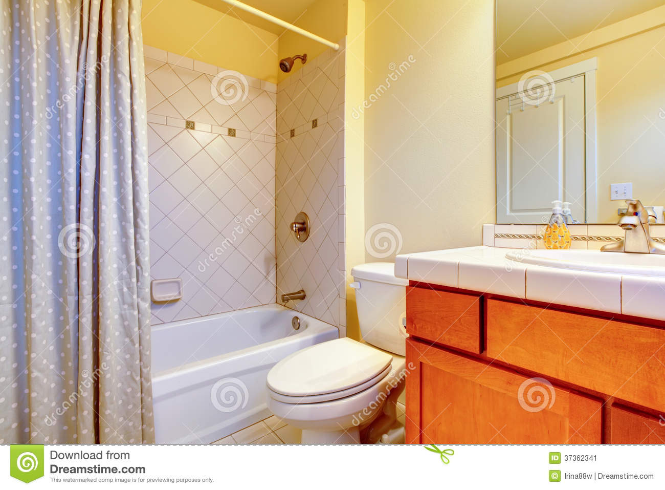 Cozy Light Yellow Bathroom Stock Image Image Of Sink 37362341