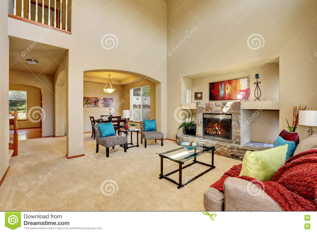 Cozy Luxury Family Room With High Ceiling And Arched Doorway ...