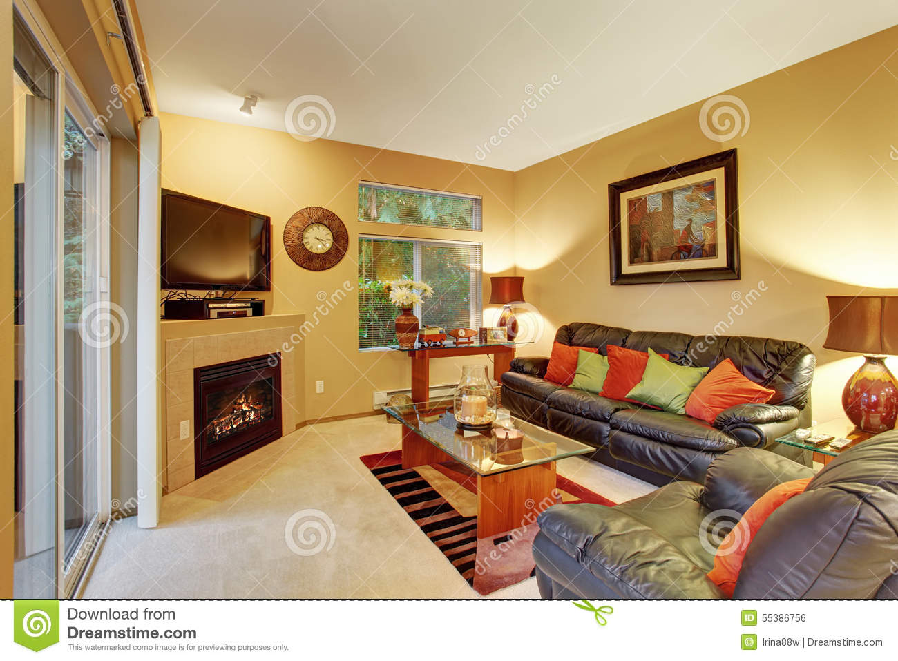 Cozy meduim sized living room with carpet and sliding door for Medium sized living room