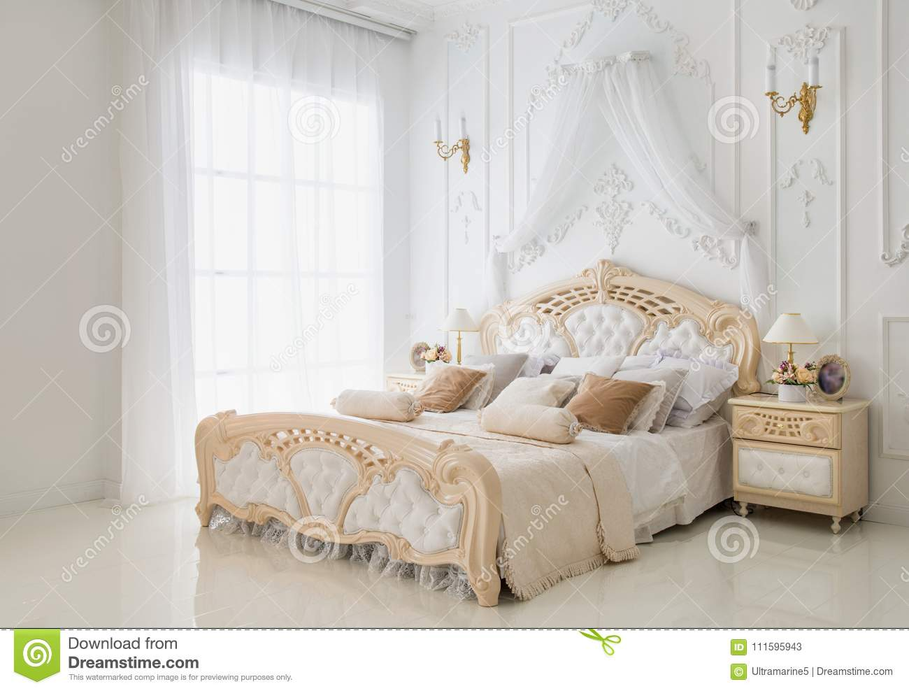 Cozy classic white bedroom walls decorated with fretwork
