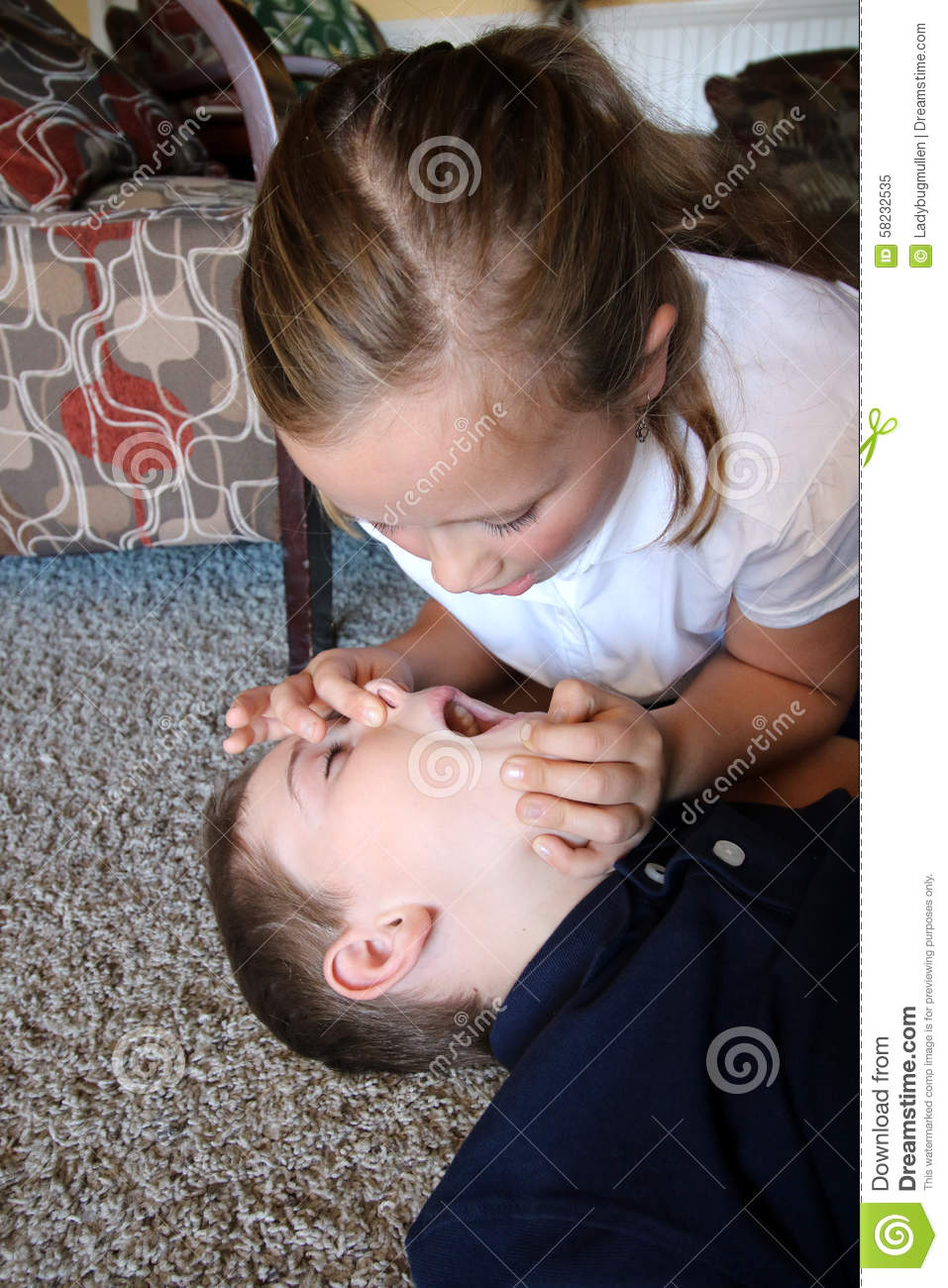 Young girl open airway of a small boy needing CPR to give initial ... Qvar Inhaler