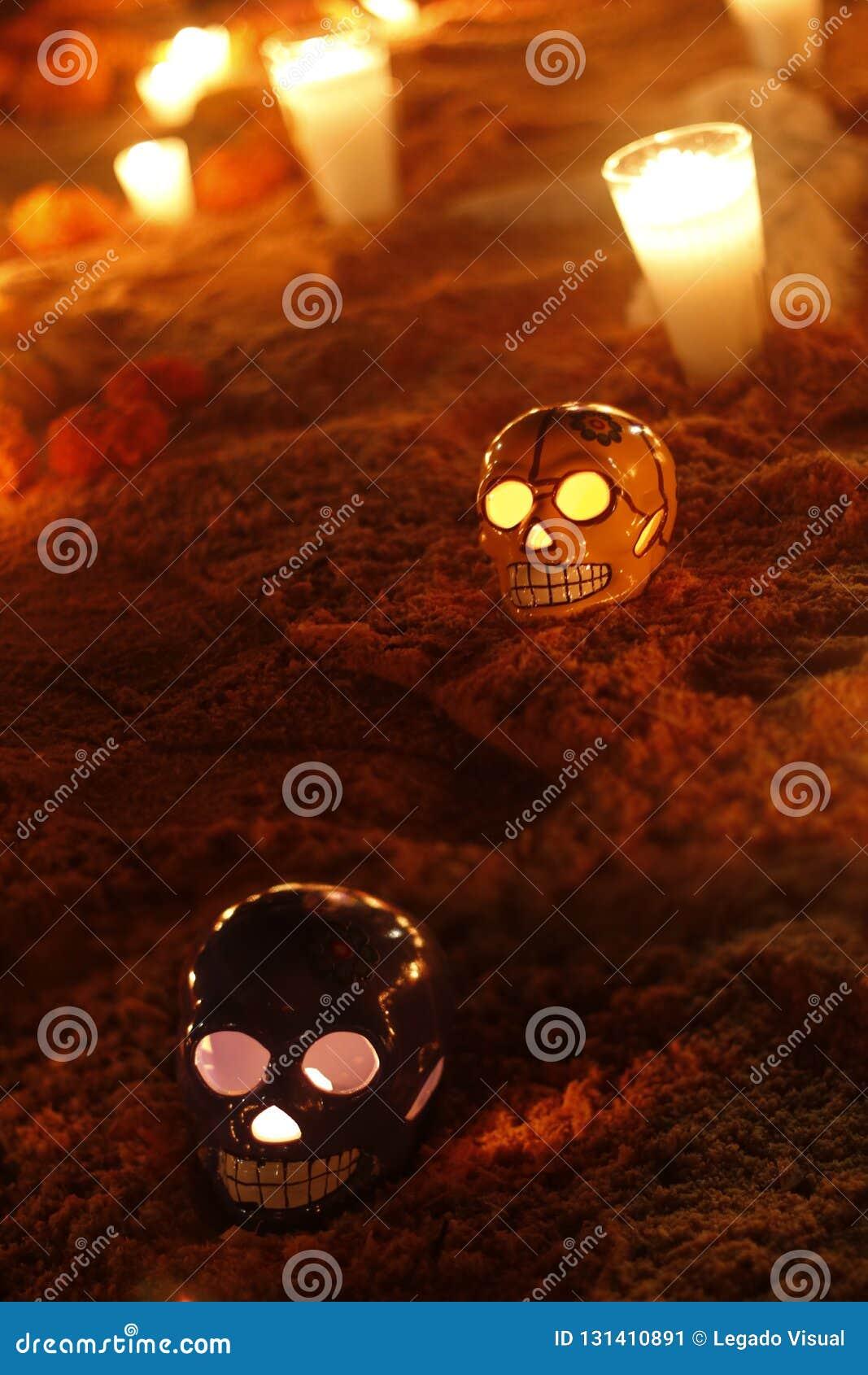 Crânios cerâmicos no dia dos mortos