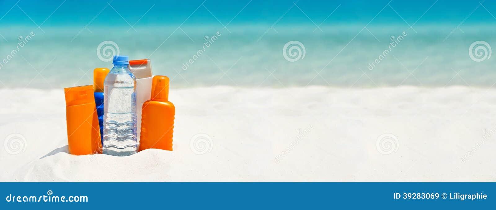 Crème de protection de l eau et du soleil sur la plage
