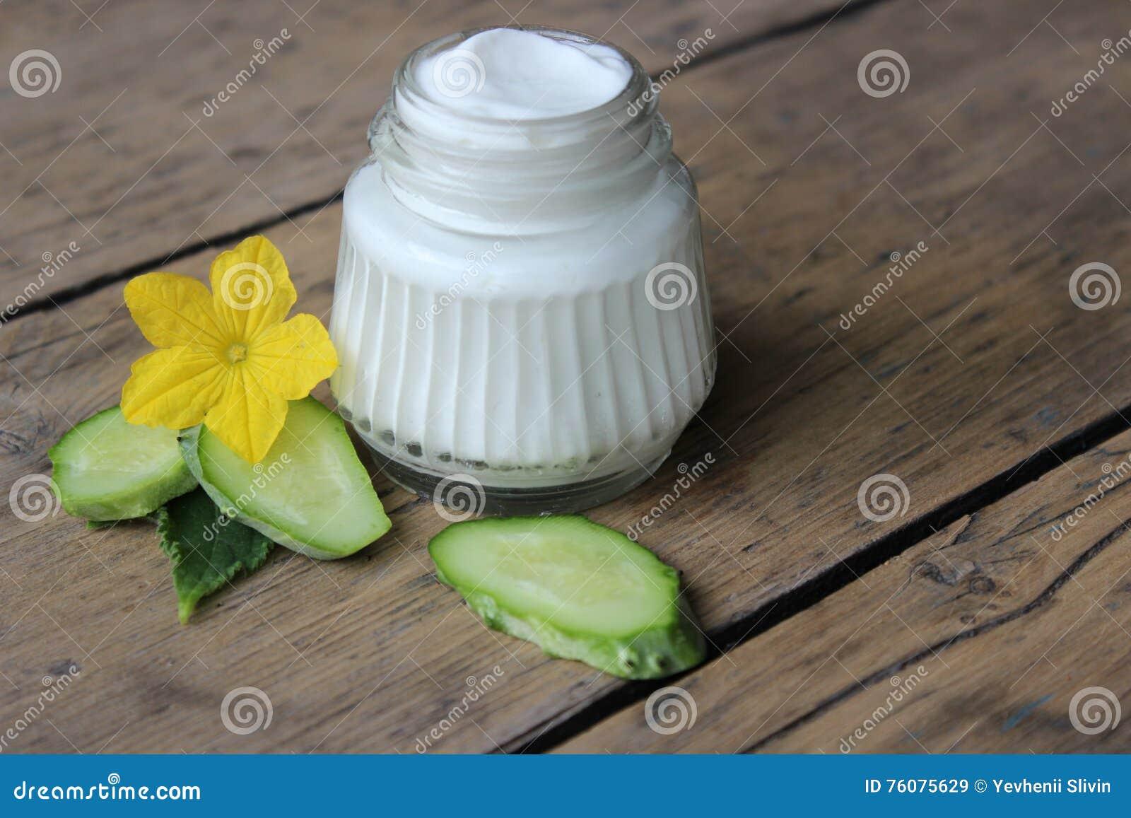 Crème de visage organique