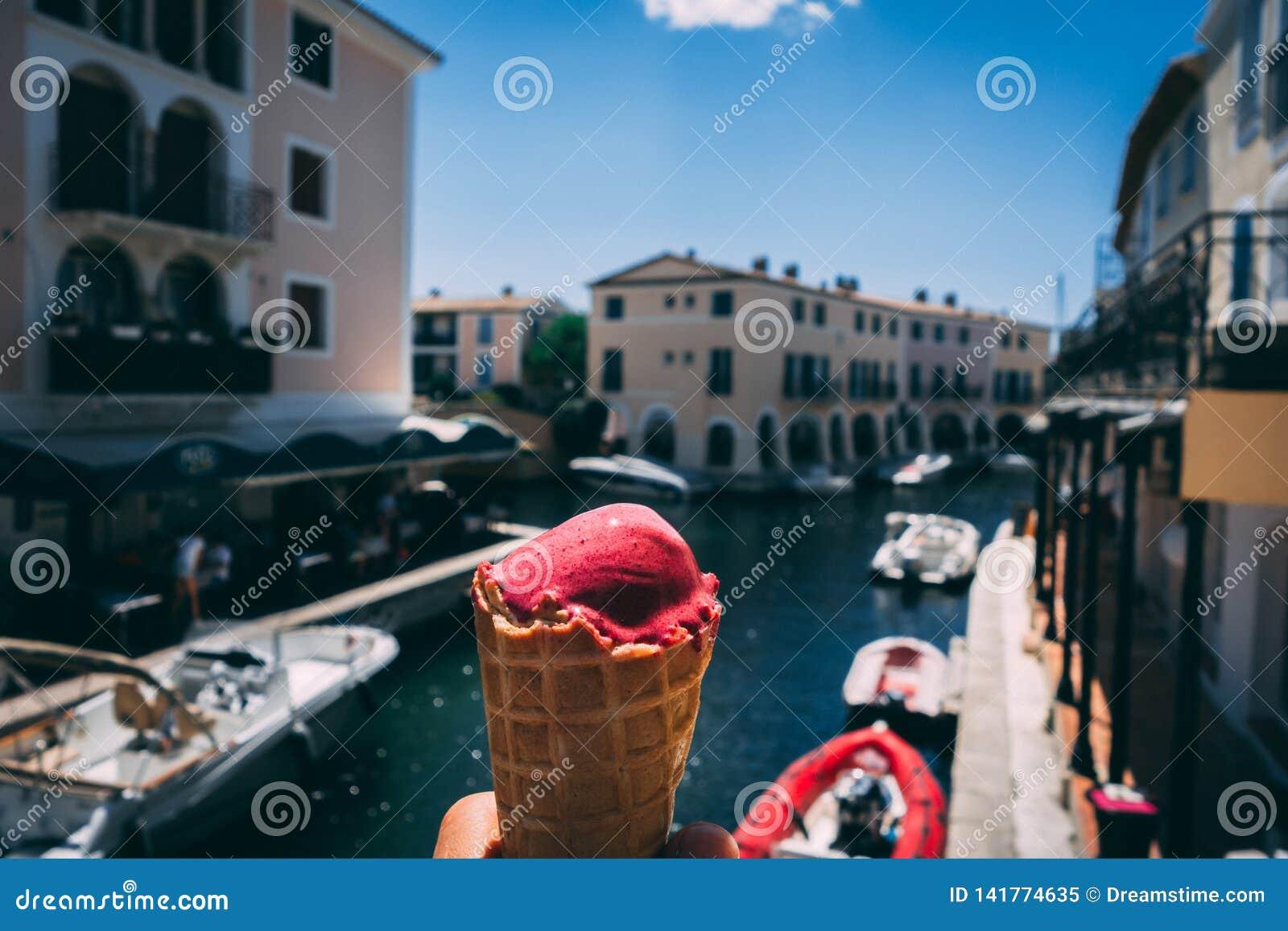 Crème glacée un jour chaud