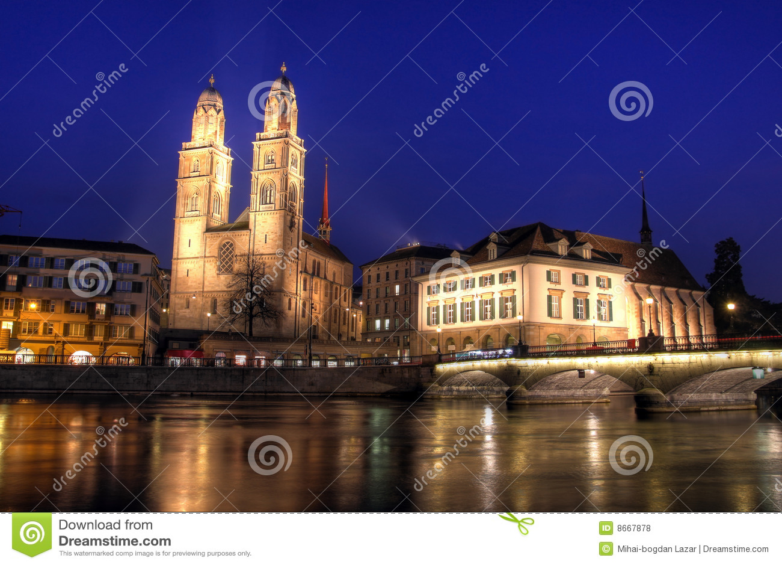 Crépuscule Zurich de la Suisse de grossmunster