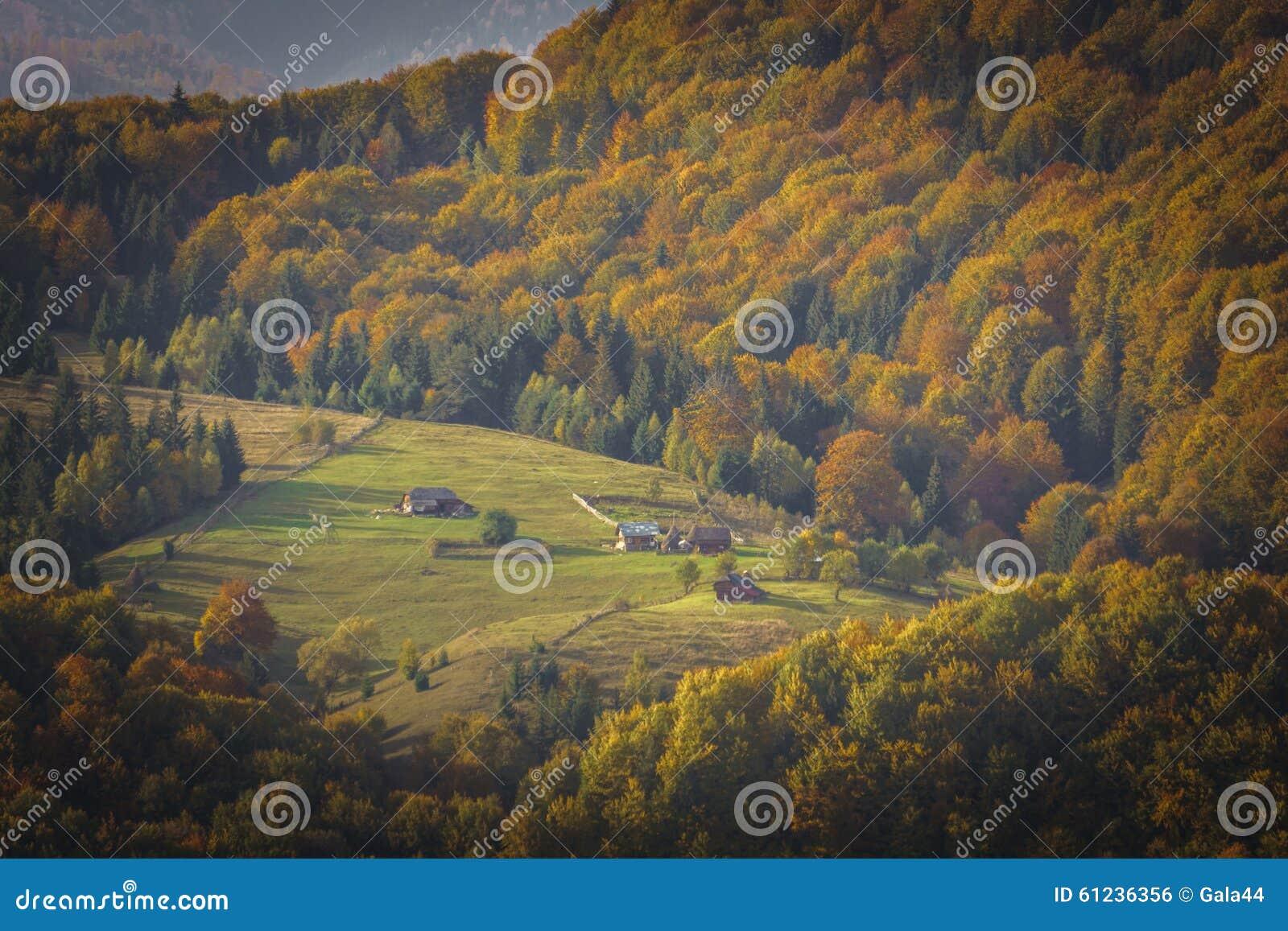 Crête de montagne en Autumn Afternoon Light
