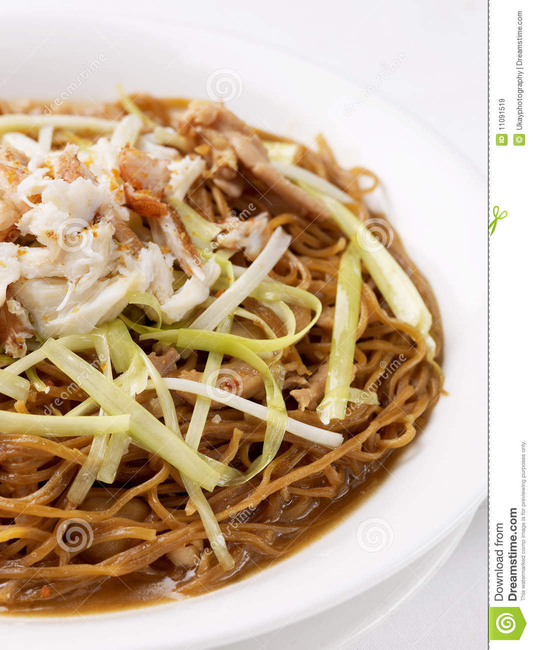 ... style fried noodles with crab meat and spring onions ee fu noodle