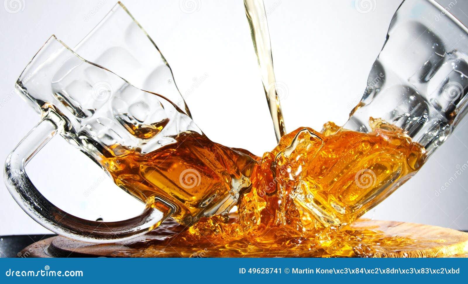 cracked-beer-glass-broken-wave-49628741.