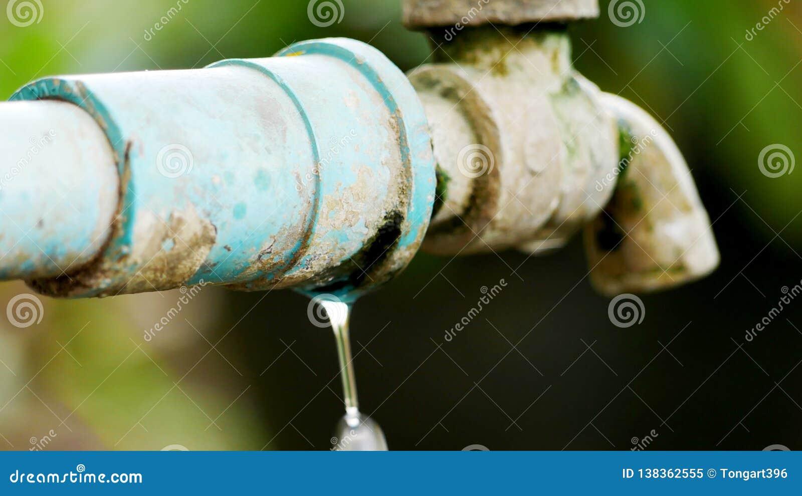 Cracks at the faucet