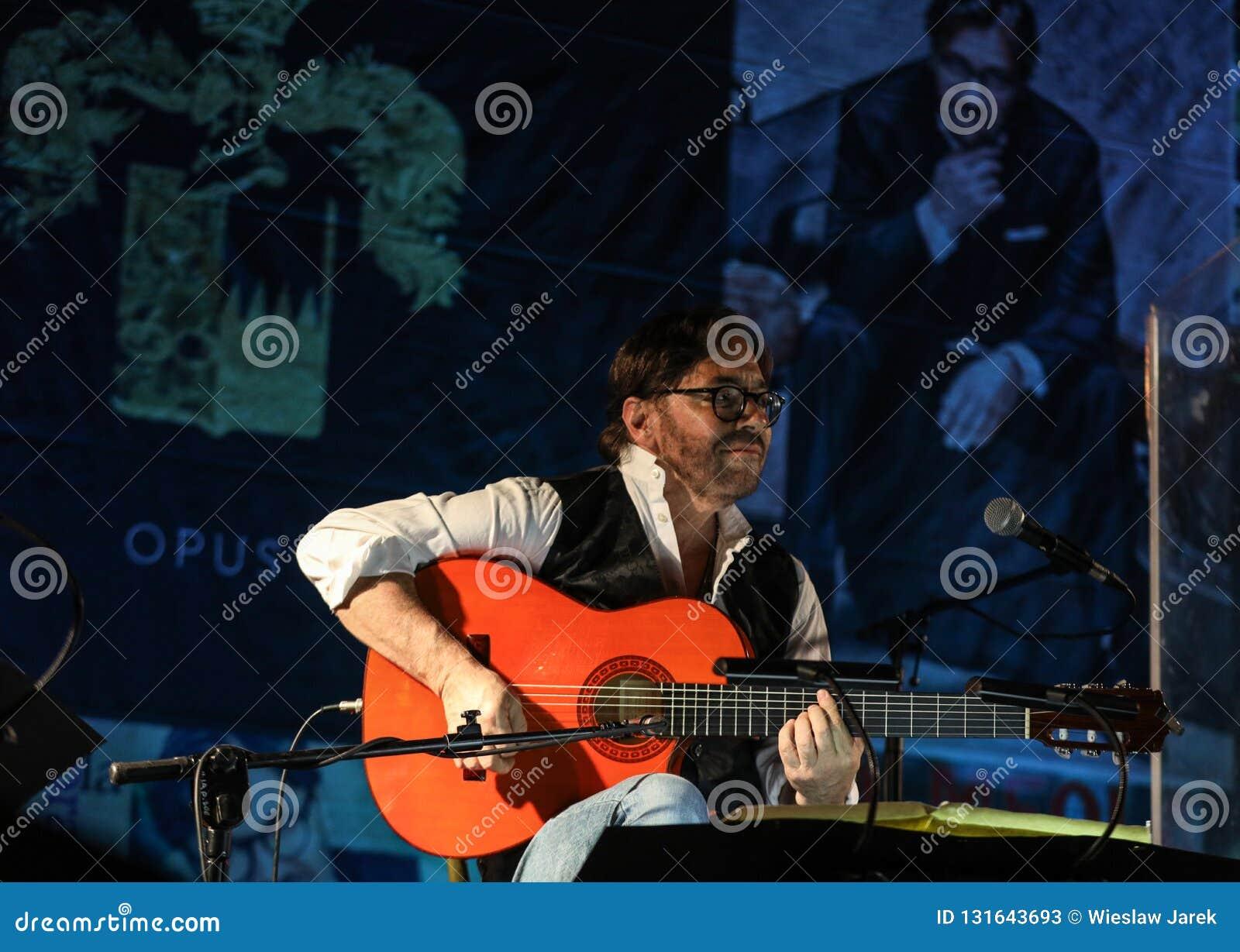American Jazz Fusion And Latin Jazz Guitarist Al Di Meola