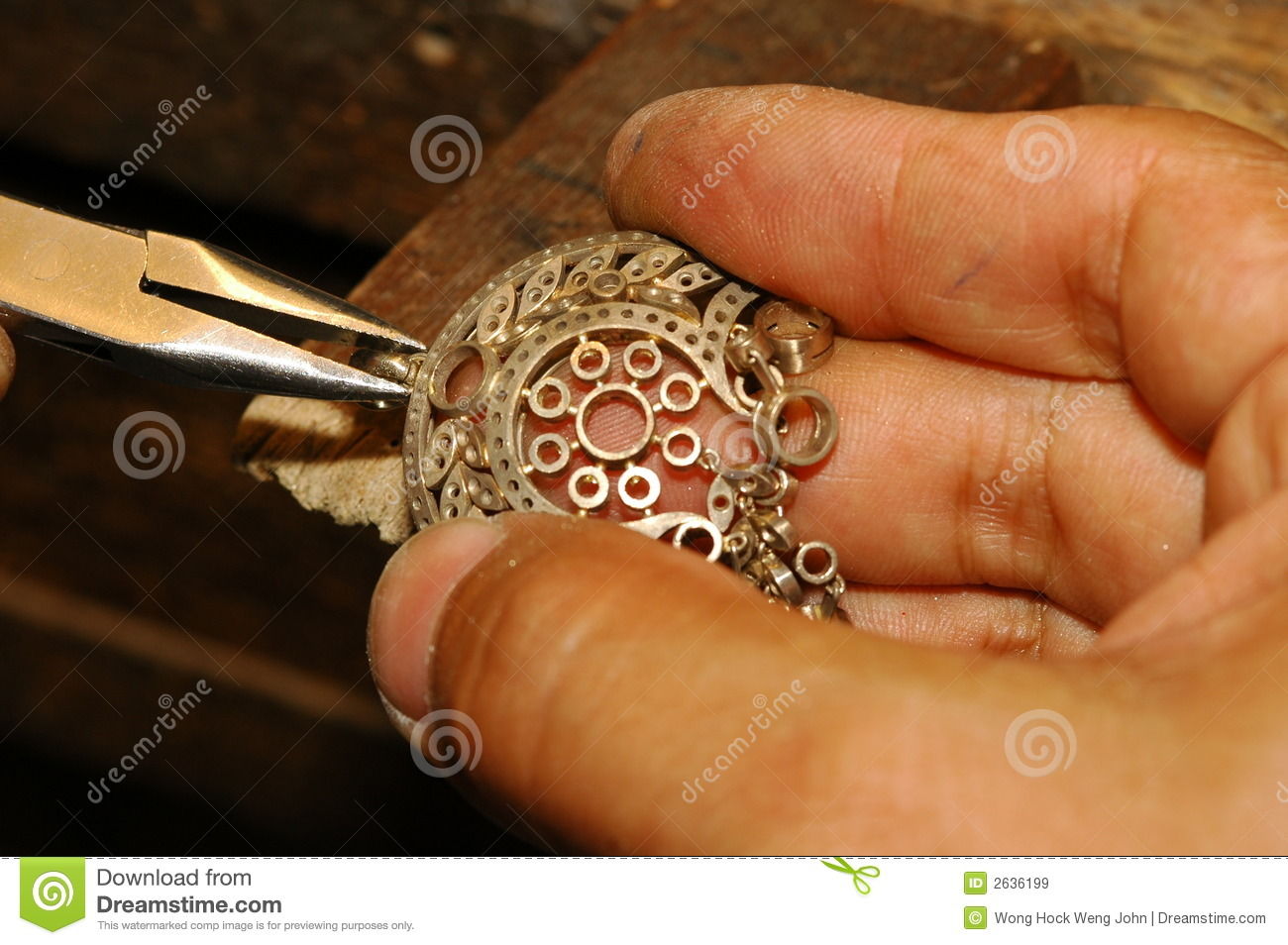 Craftsman Making Gold Jewelry Stock Image Image of shop cutting
