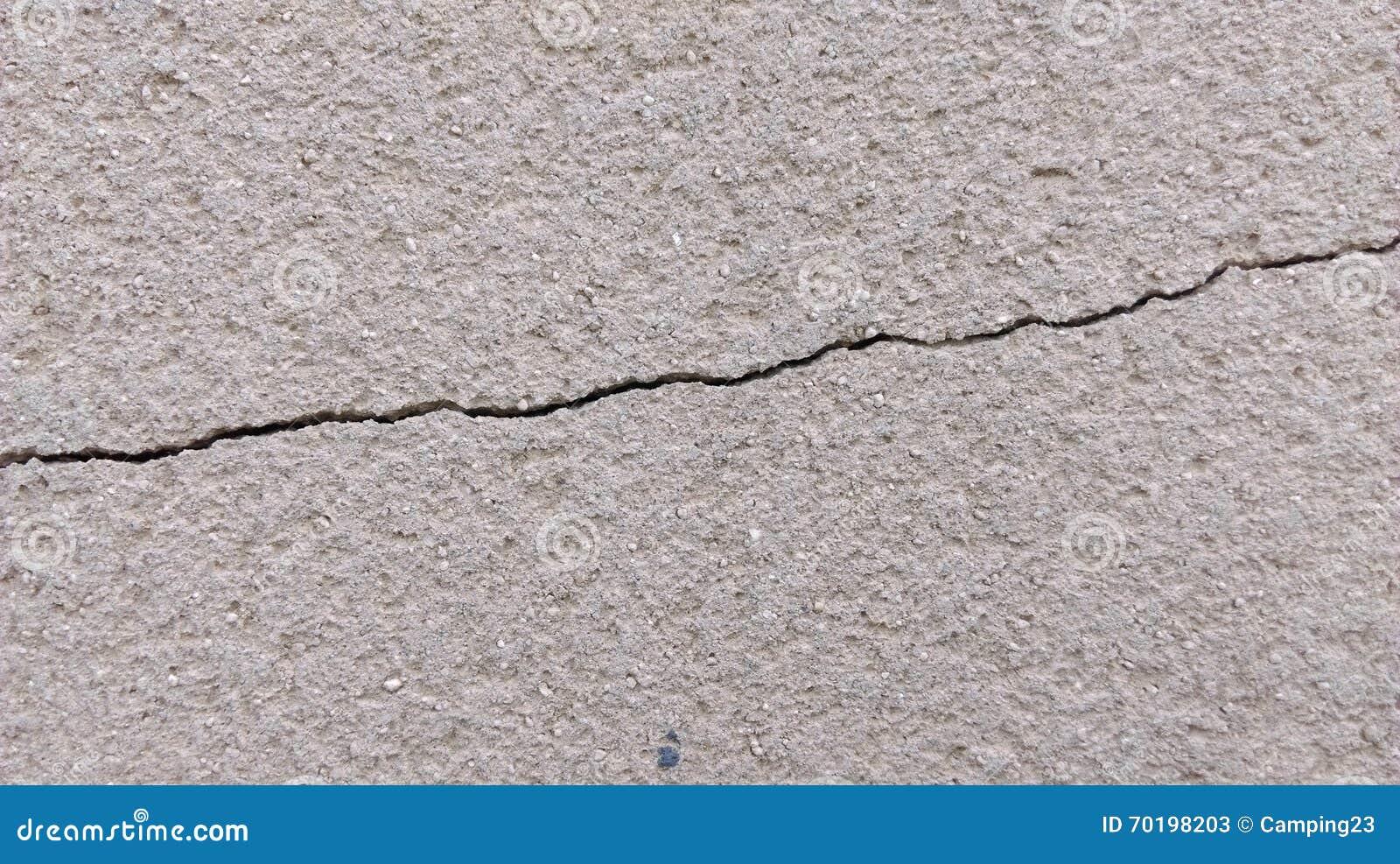 Craked vägg