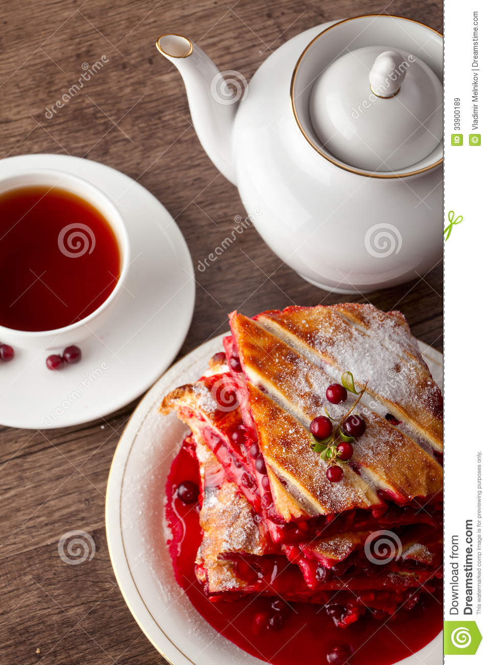 Cranberry Cake Royalty Free Stock Images - Image: 33900189