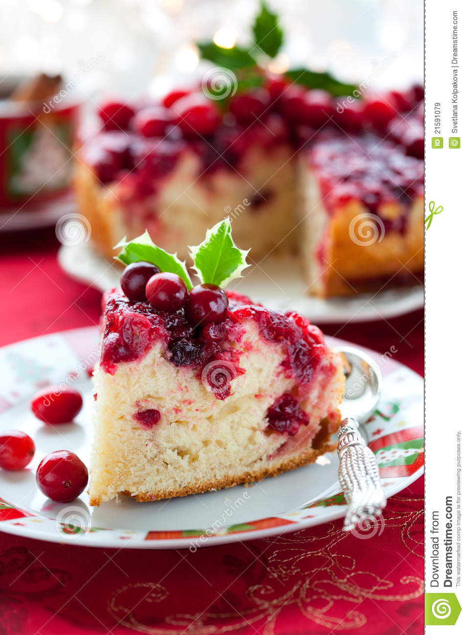 Cranberry Upside Down Cake Royalty Free Stock Images - Image: 21591079