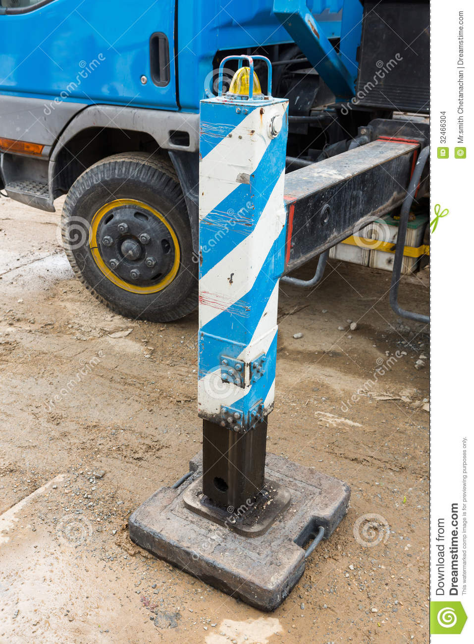 Crane Outrigger Pad Stock Images - Image: 32466304