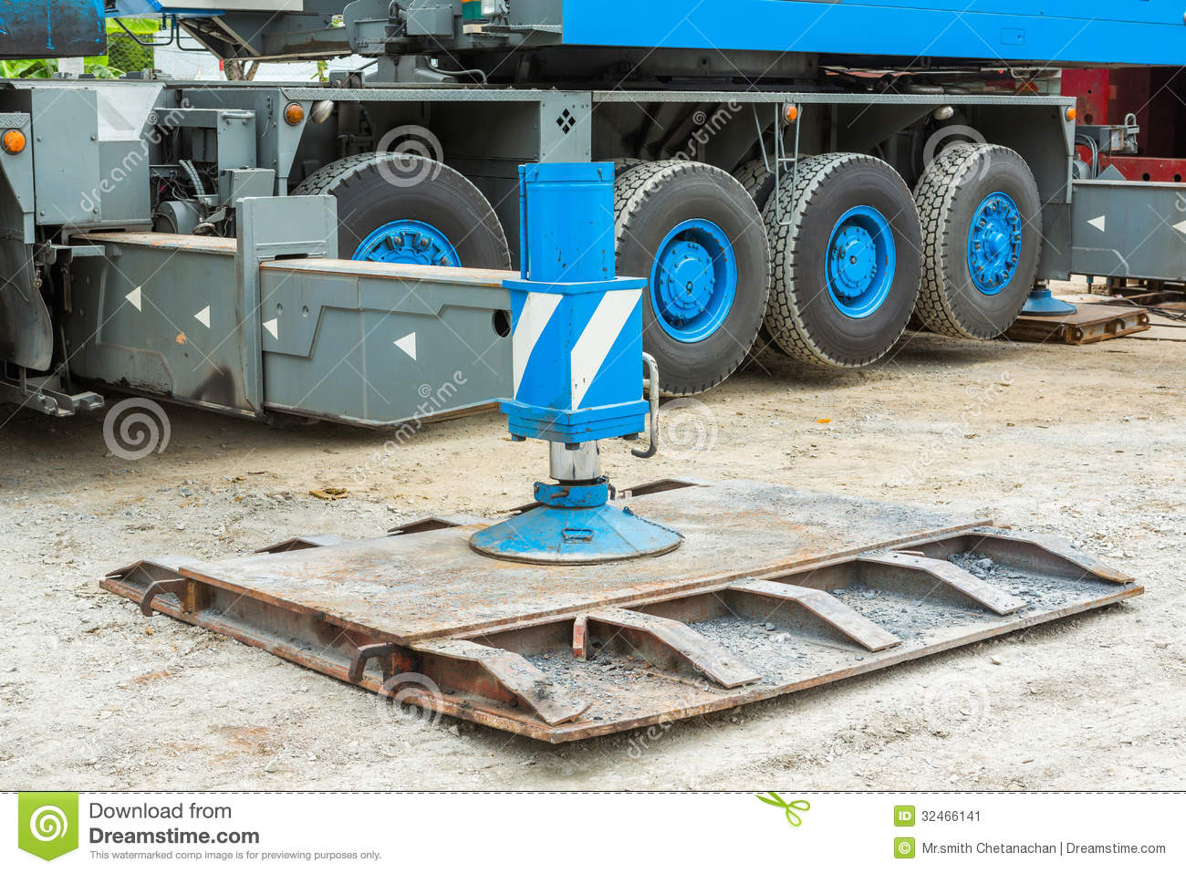 Crane Outrigger Pad Stock Image Image Of Strong Support
