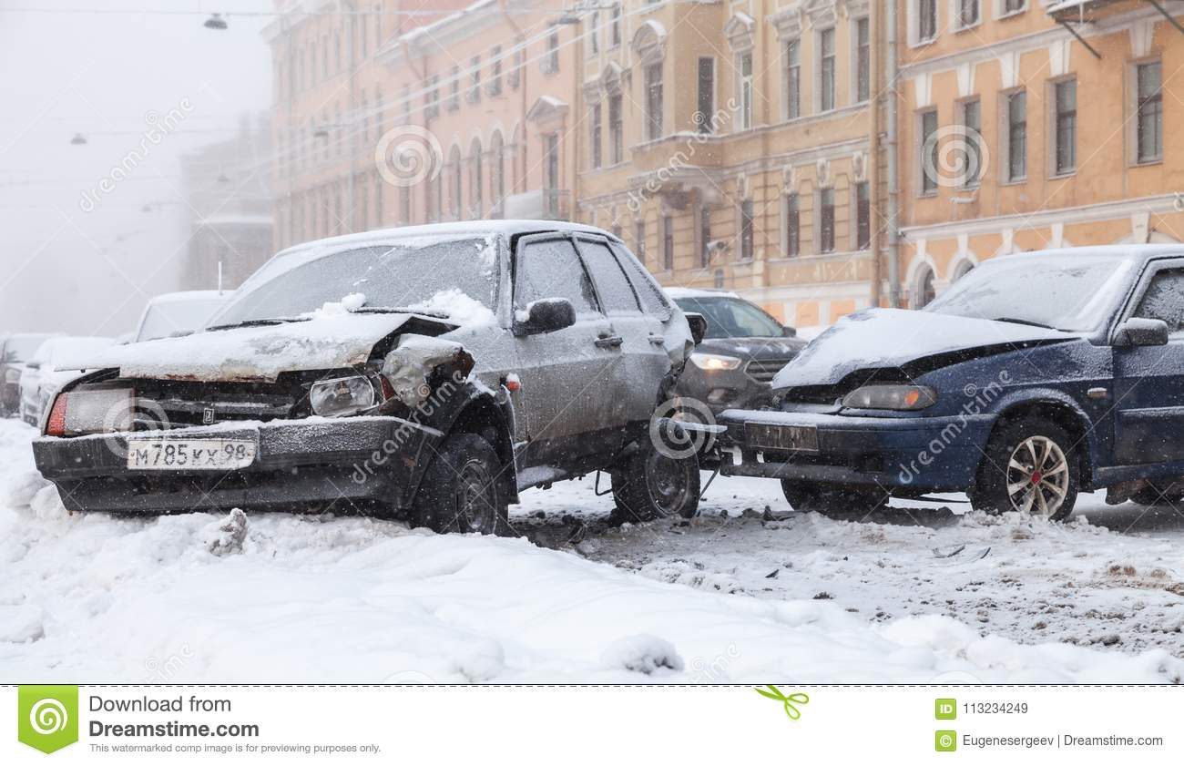Crashed Cars In Accident On Winter Street Editorial Stock