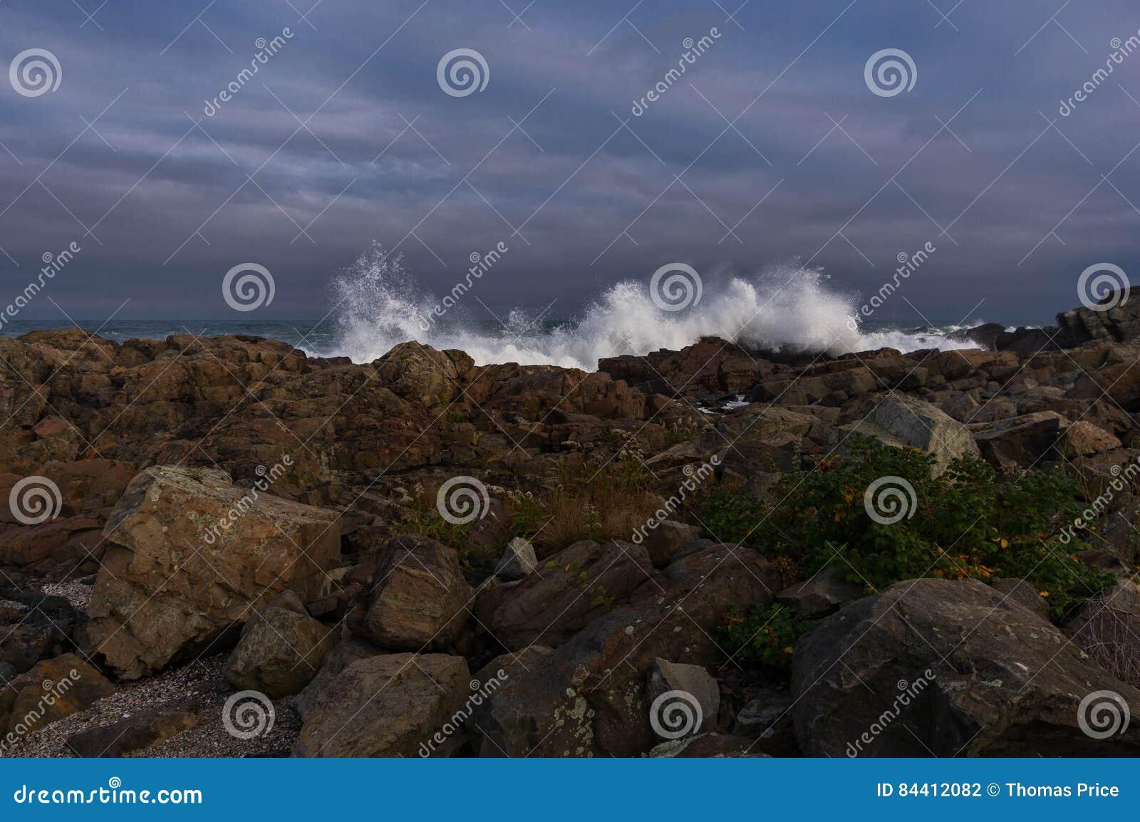 Crashing waves on the Maine coast