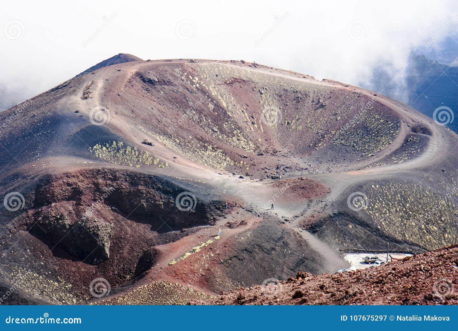 Cratère de Silvestri de volcan d Enta