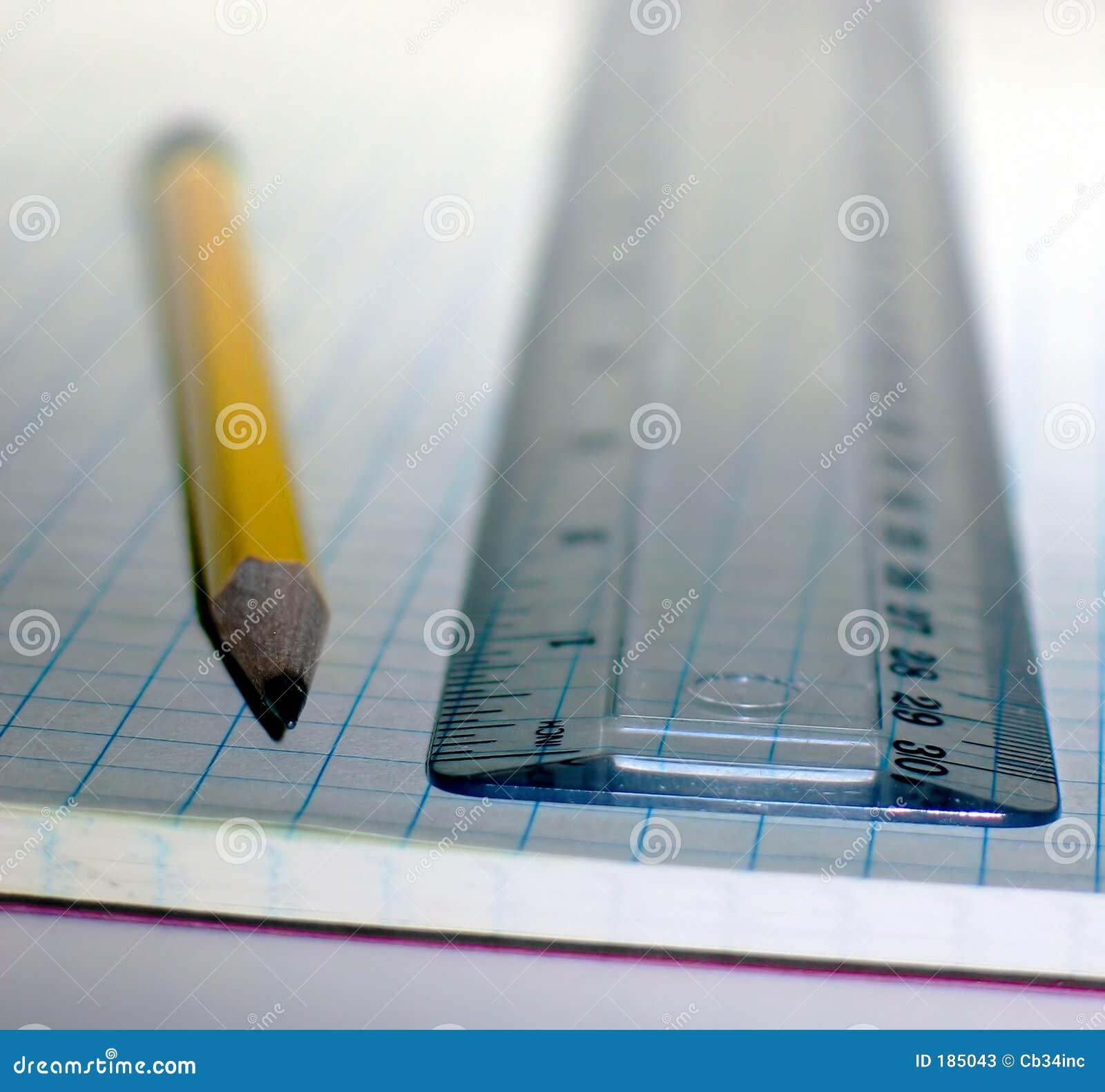 Crayon et grille de tabulation