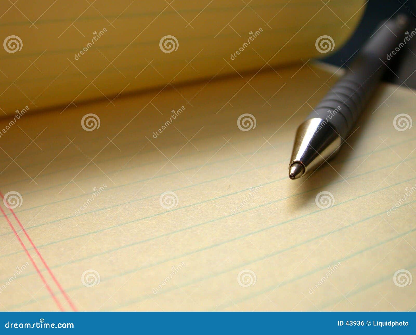 Crayon lecteur et papier