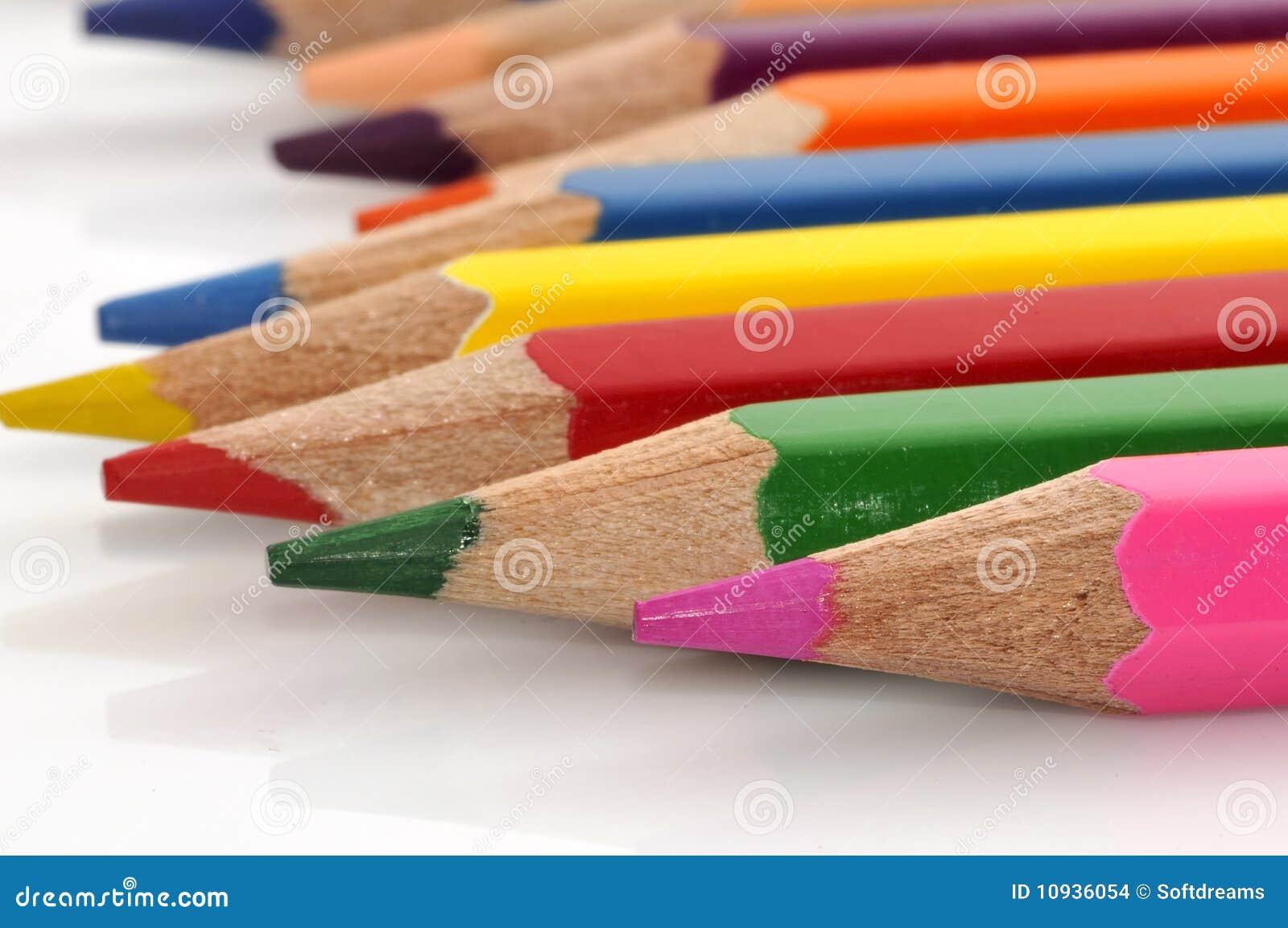 Crayons цвета цветастые