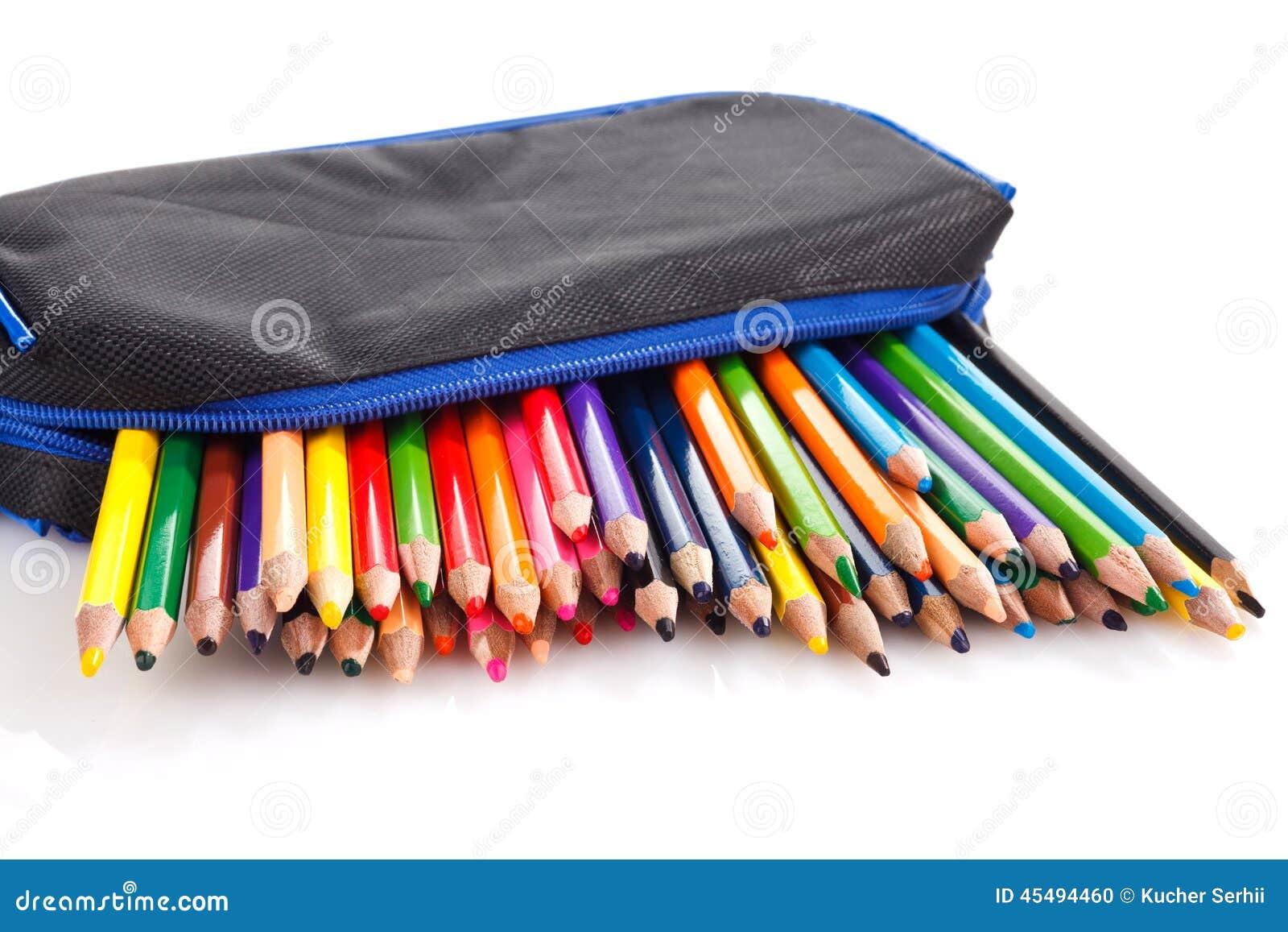 crayons de couleur dans la trousse d 39 colier photo stock image du divertissement bleu 45494460. Black Bedroom Furniture Sets. Home Design Ideas