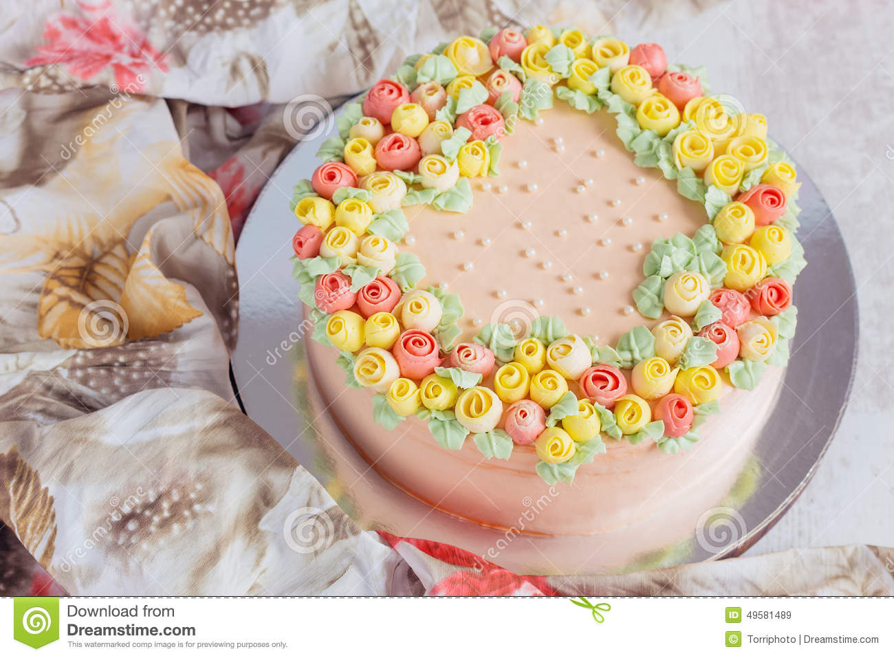 Different Homemade Cake Decorating Ideas : Cream Cake Decorated With Small Yellow And Pink Roses ...