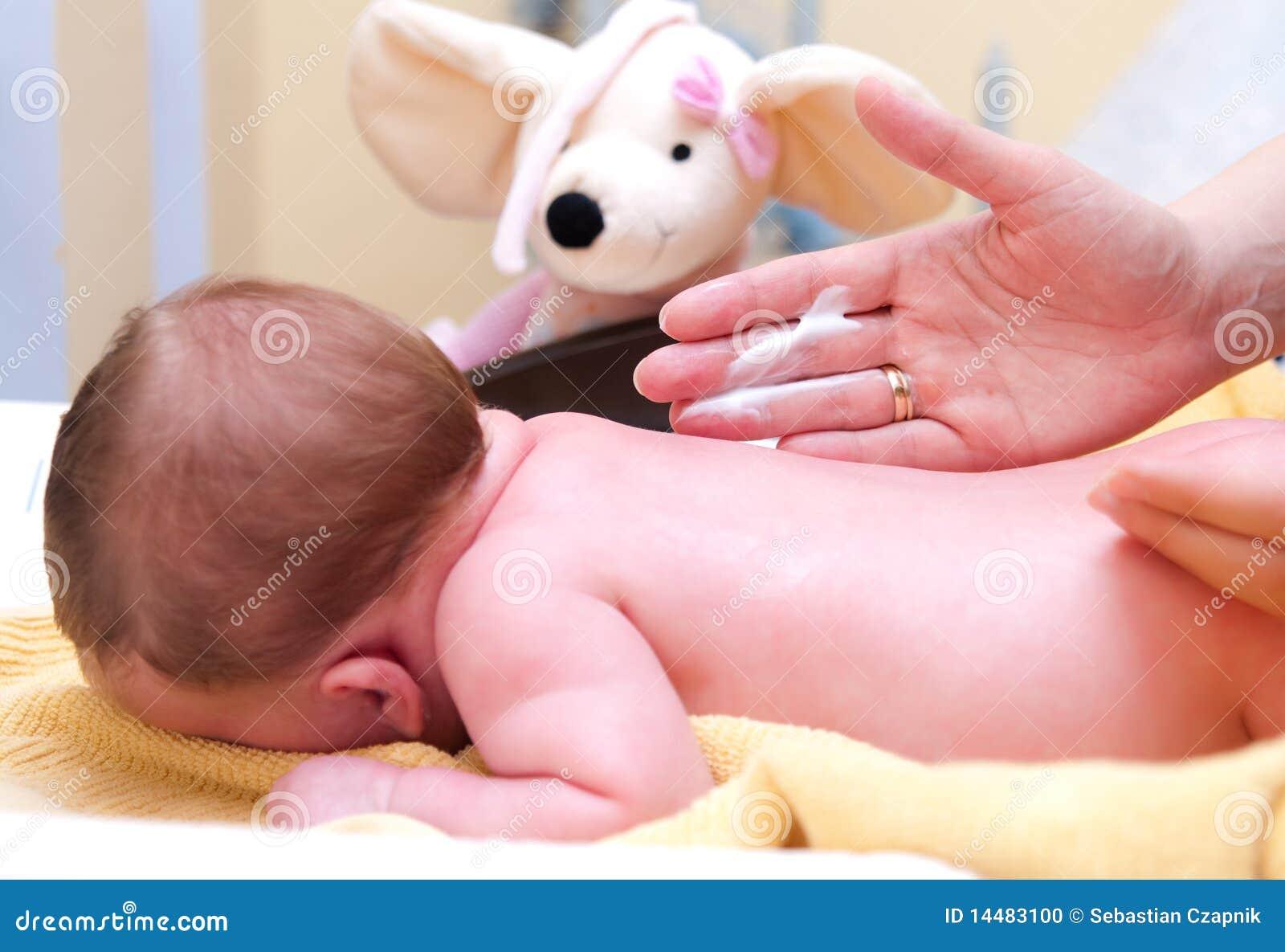 Creaming младенца