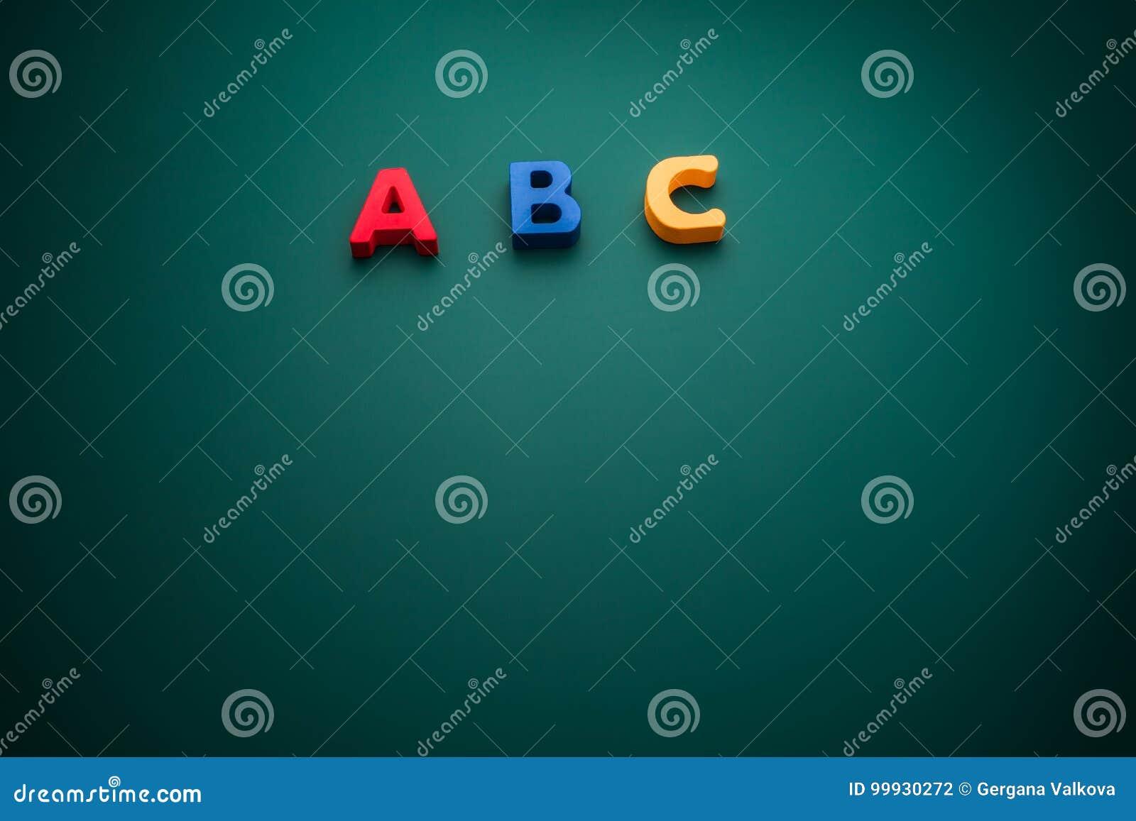 Creatief concept met ABC-alfabettekst, schoolthema