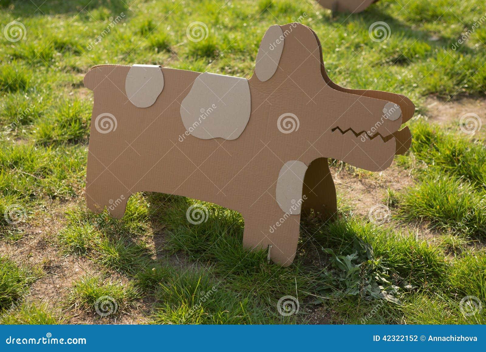 Creatieve decoratie van karton stock illustratie afbeelding 42322152 - Afbeelding van decoratie ...