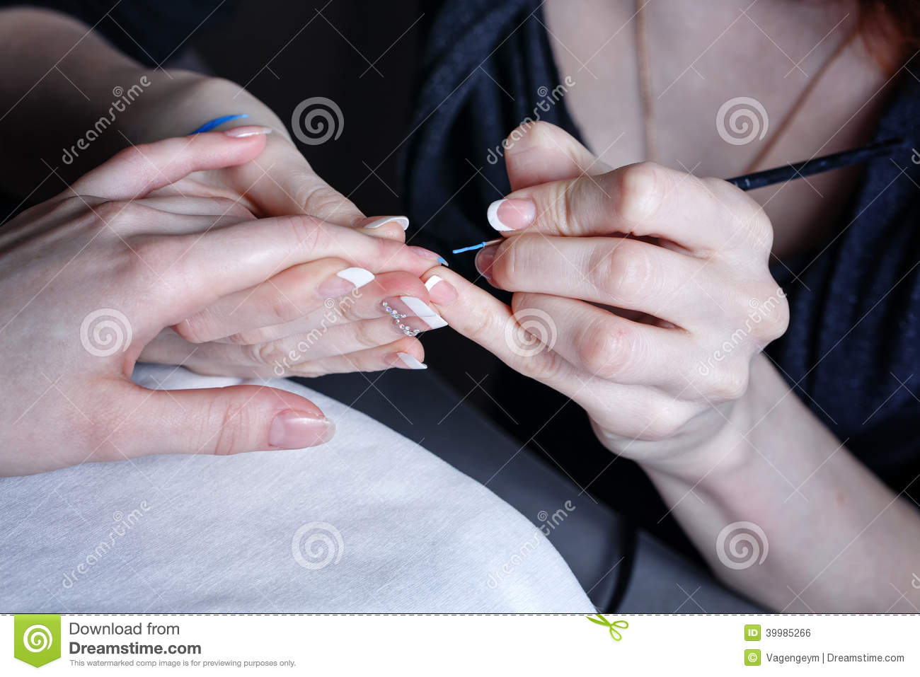 Creation manicure stock photo image 39985266 for A new creation salon
