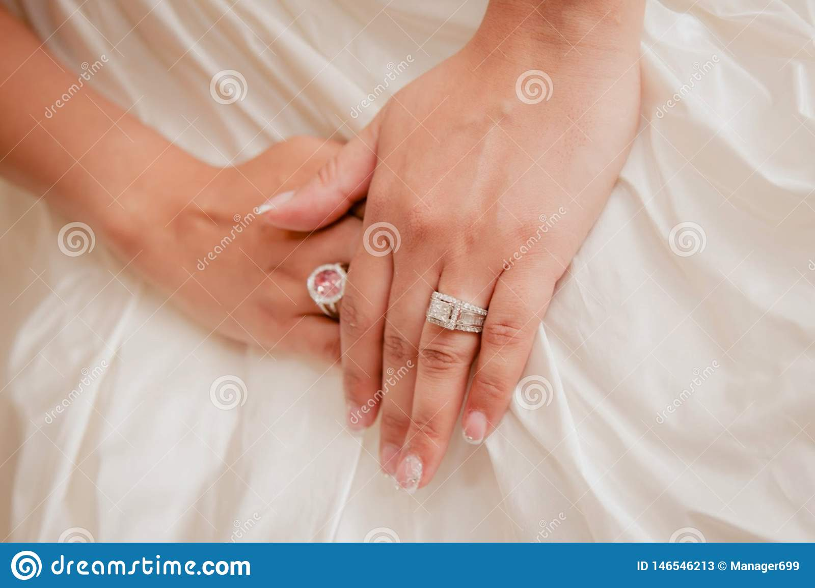Beautiful Bridal Wedding Rings Design Adorned With A Touch Of
