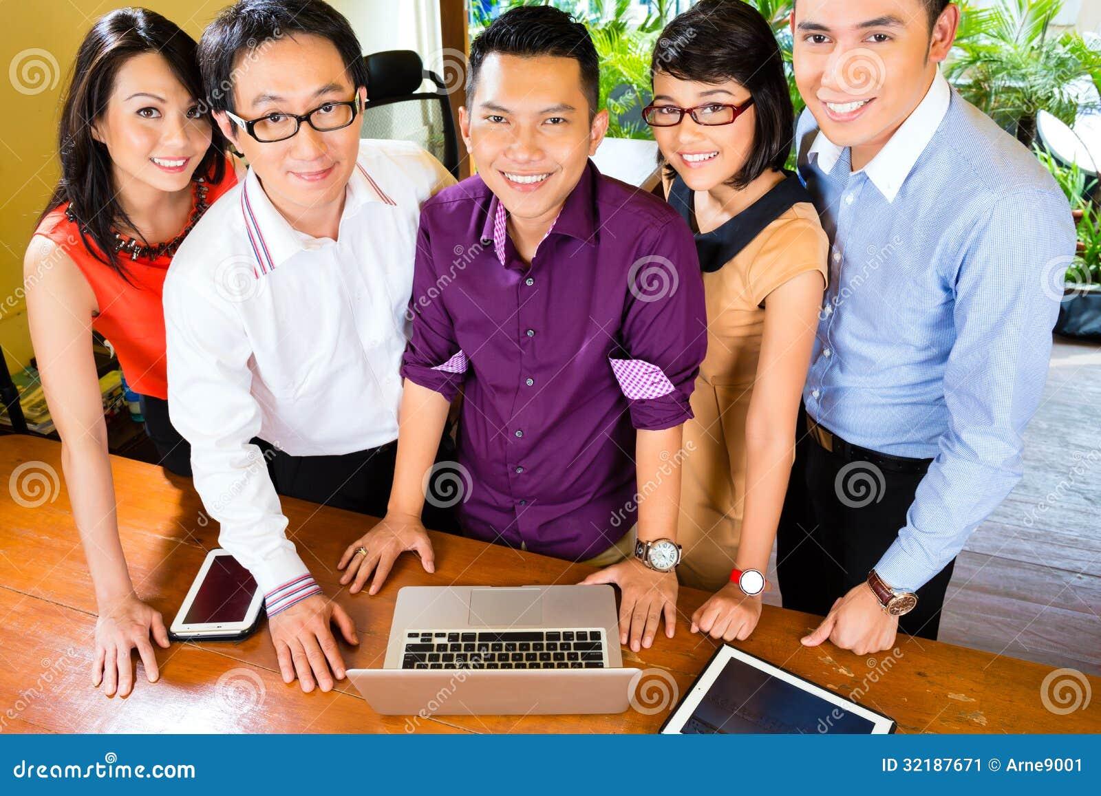 Asian date team in Brisbane