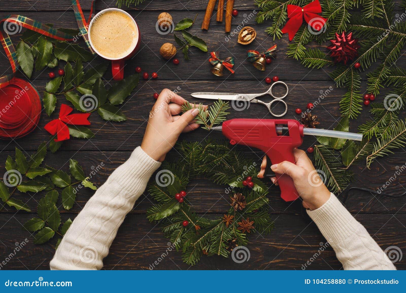Prepare For Xmas Creative Craft Wreath Making Christmas Symbol