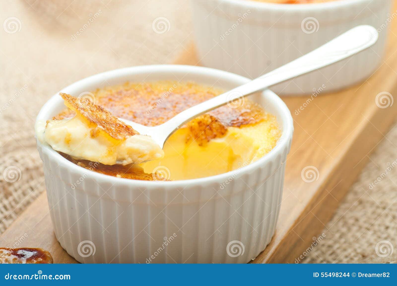 Creme Brulee Sahnenachtisch Der Traditionellen Franzosischen Vanille