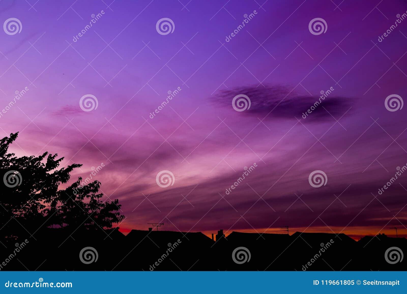 Crepúsculo com nuvens