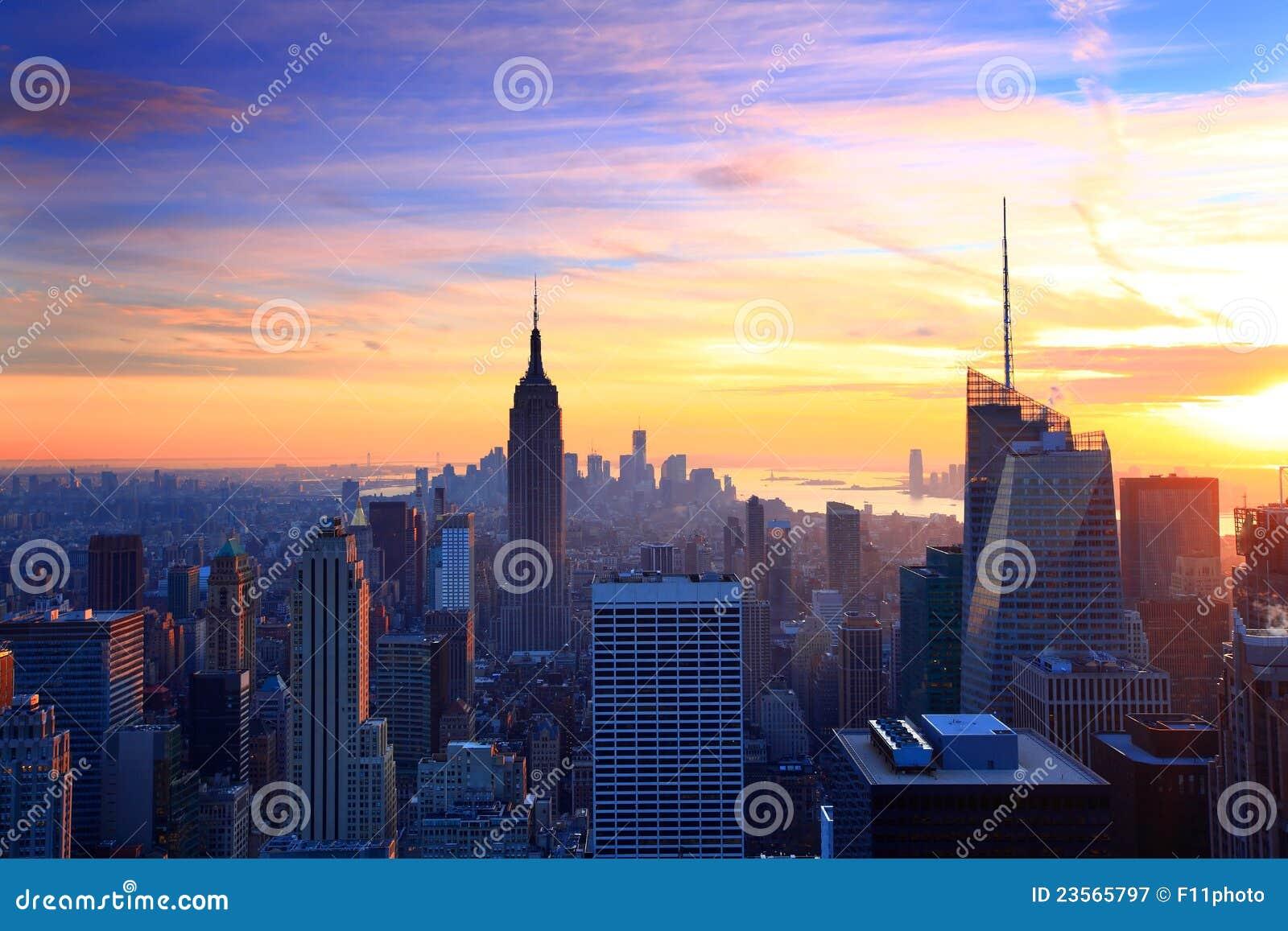 Crepúsculo del horizonte de New York City