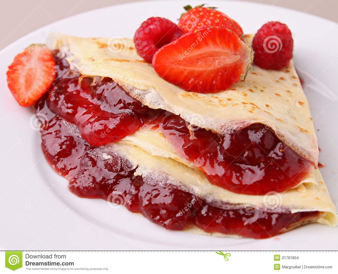 Crepe with jam