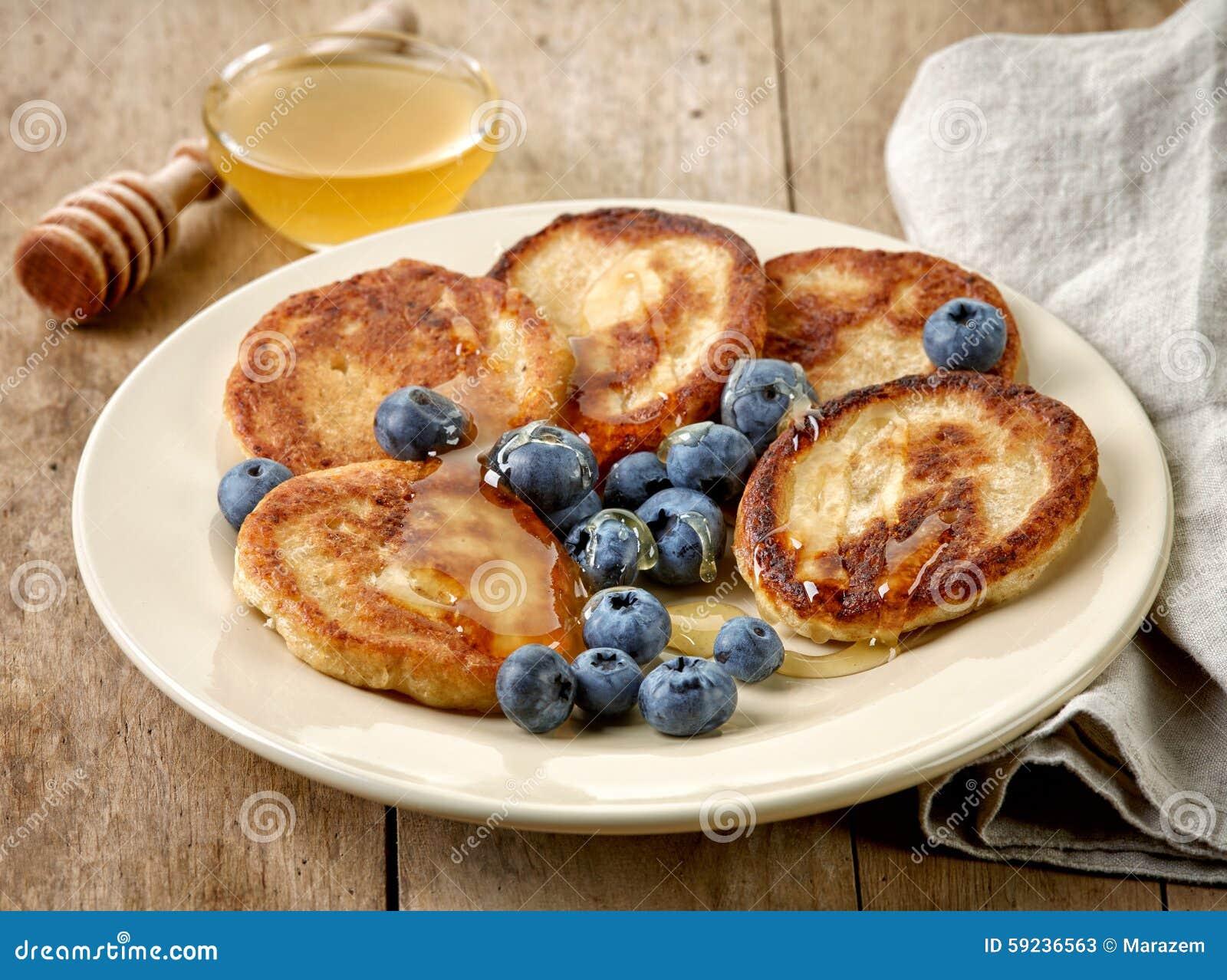 Download Crepes Con La Miel Y Los Arándanos Imagen de archivo - Imagen de alimento, baked: 59236563