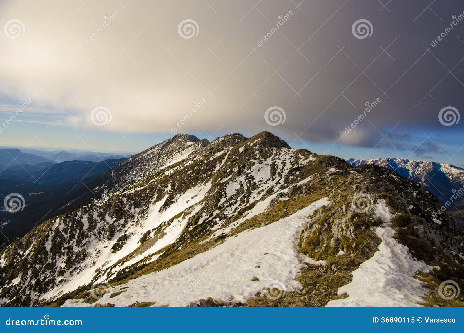Download Cresta rocciosa immagine stock. Immagine di colore, recreational - 36890115