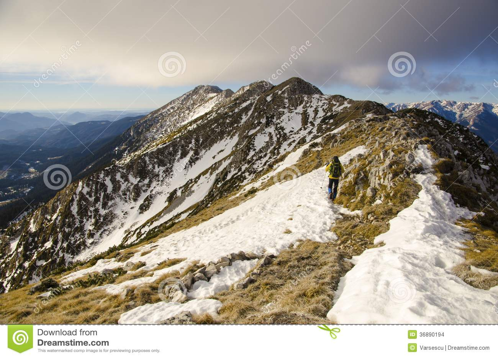 Download Cresta rocciosa fotografia stock. Immagine di coraggio - 36890194