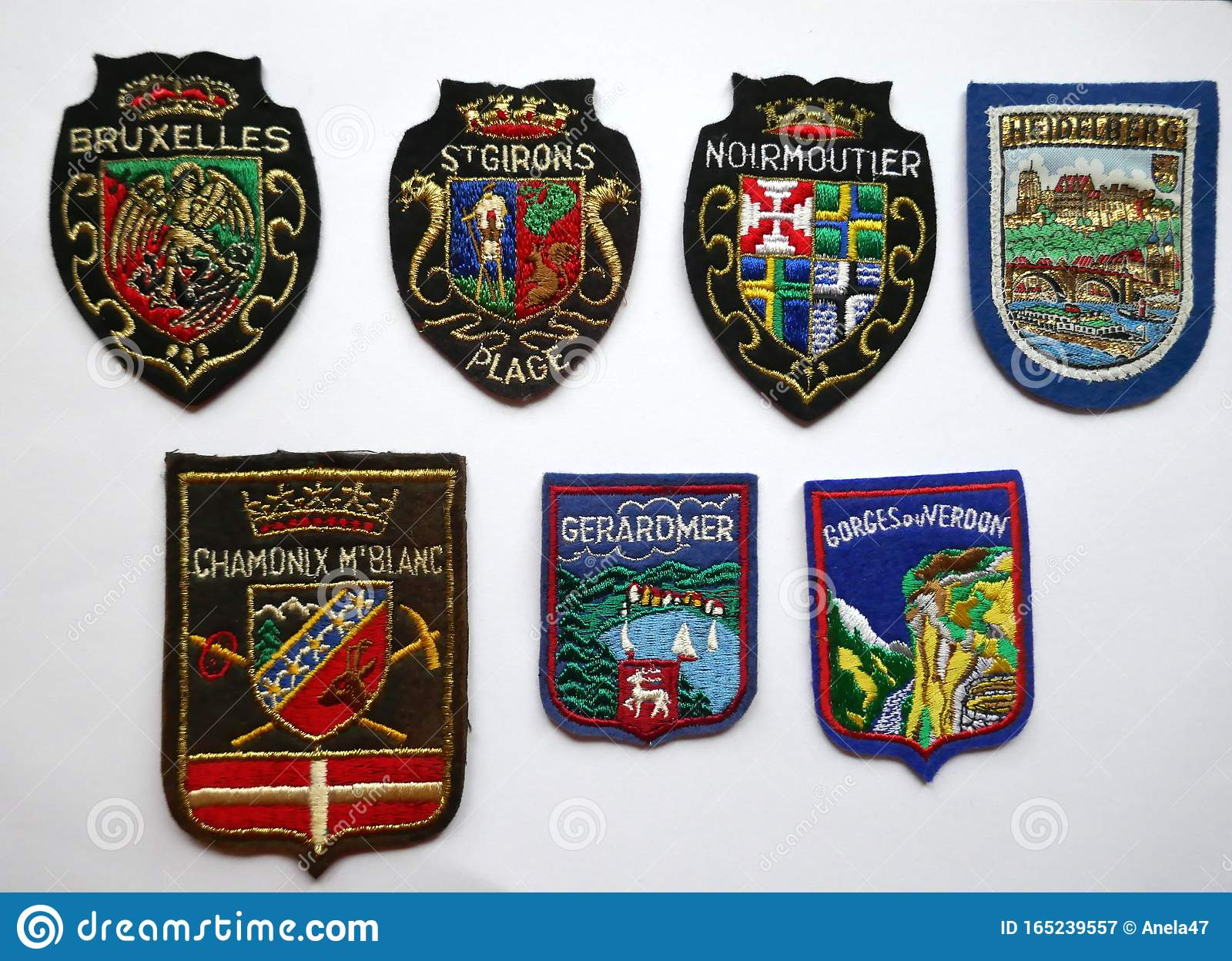 Patch printed embroidery travel souvenir shield crest city france flag nimes