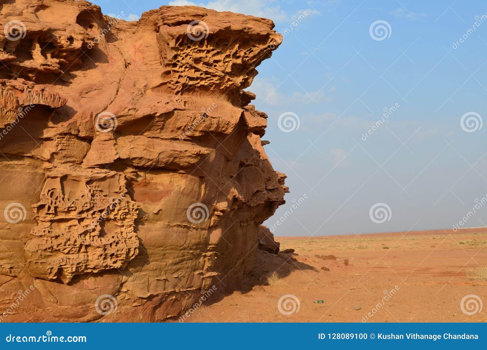 Criação bonita da natureza no deserto do saudita