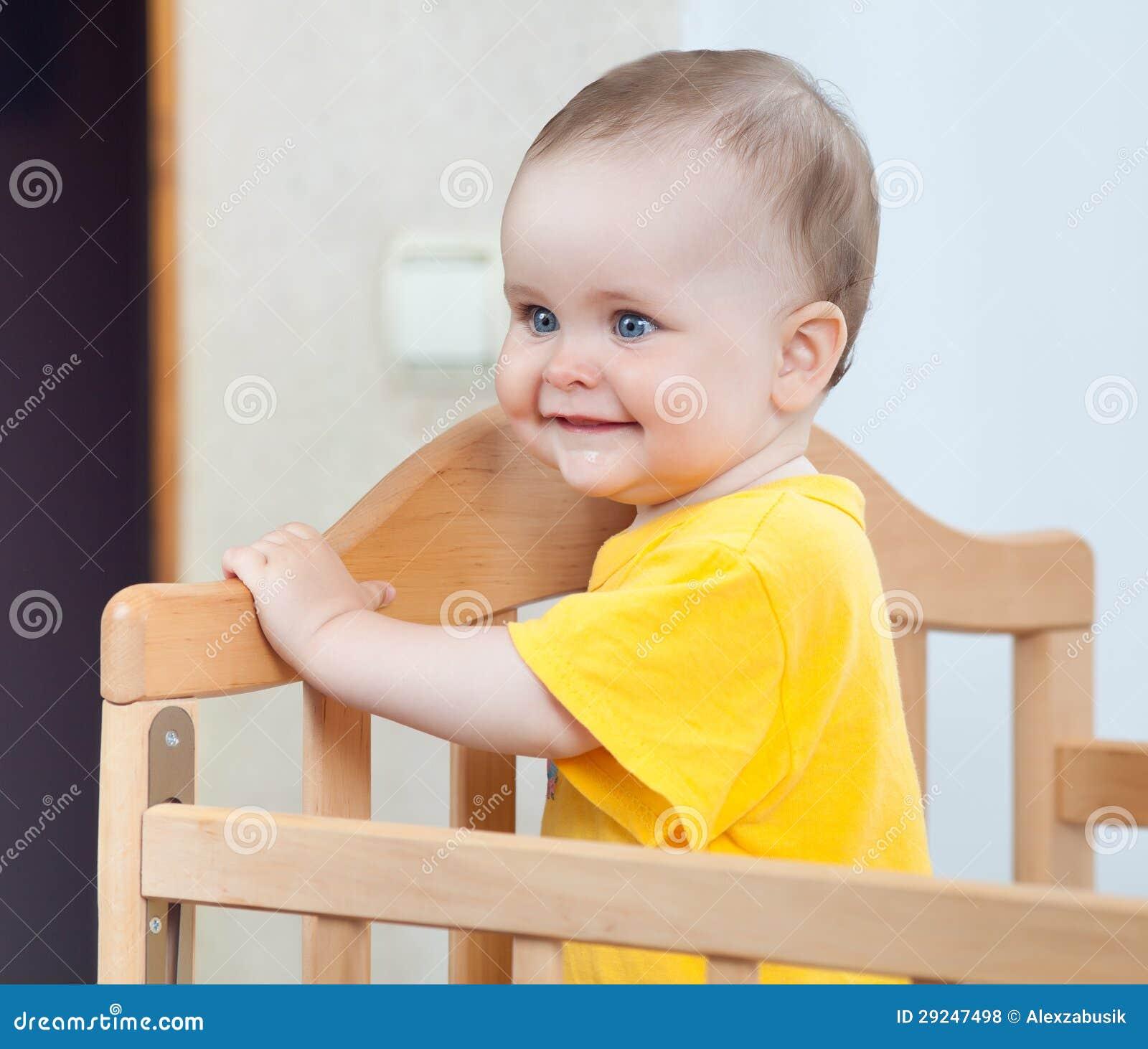 Download Criança encantador na ucha foto de stock. Imagem de filha - 29247498